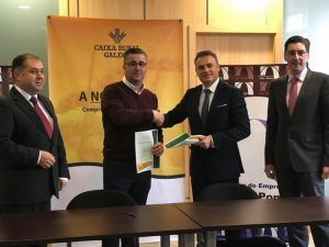 A Asociación SetePontes firma un convenio de colaboración con caixa rural